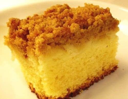 Apple and Cinnamon Crumble-top Cake
